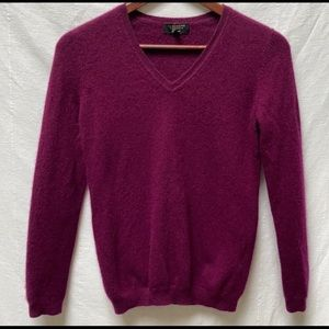 Charter Club cashmere berry v neck sweater xs
